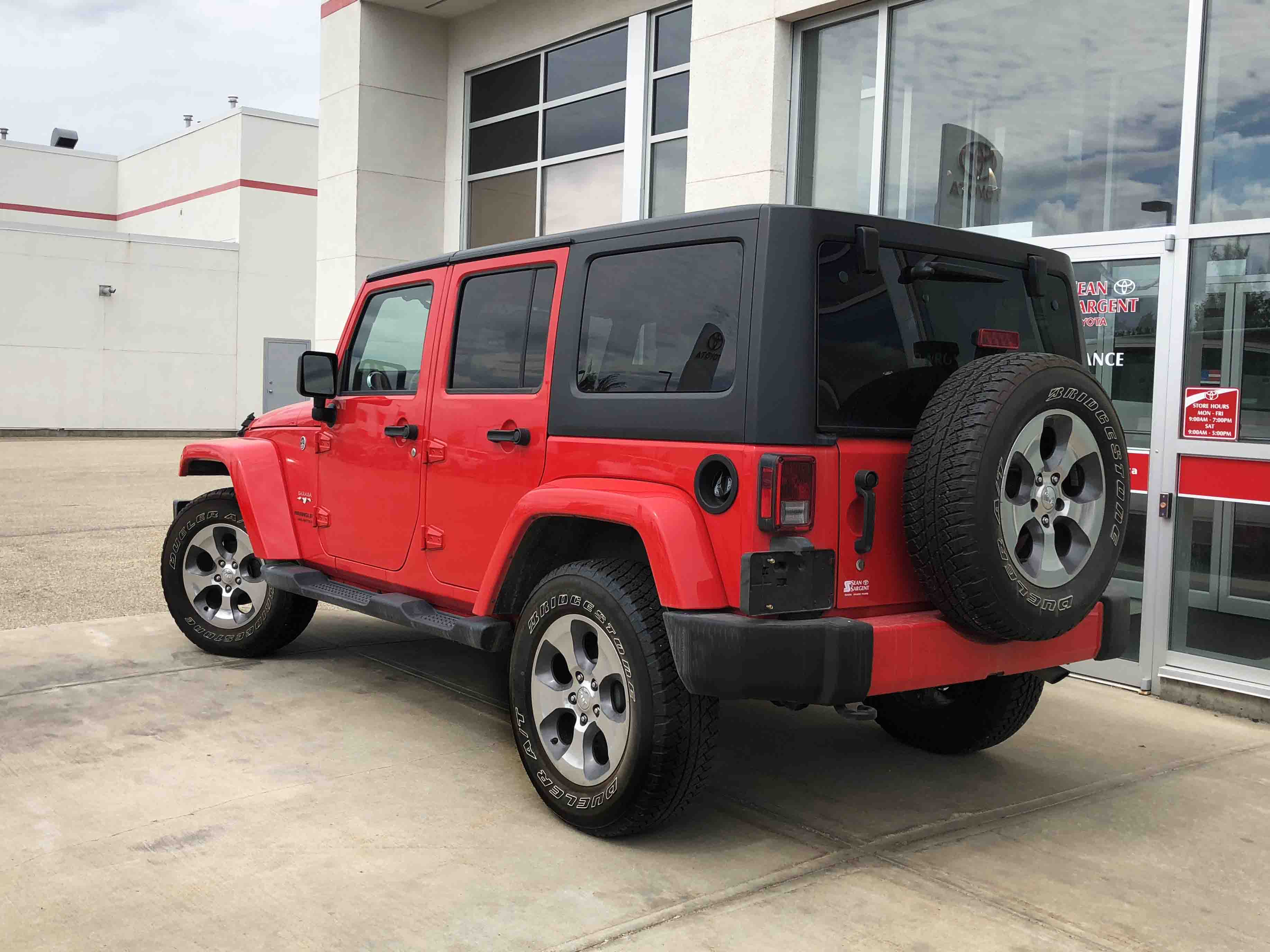 Pre Owned 2017 Jeep Wrangler Unlimited Sahara Wagon 4 Door In Grande
