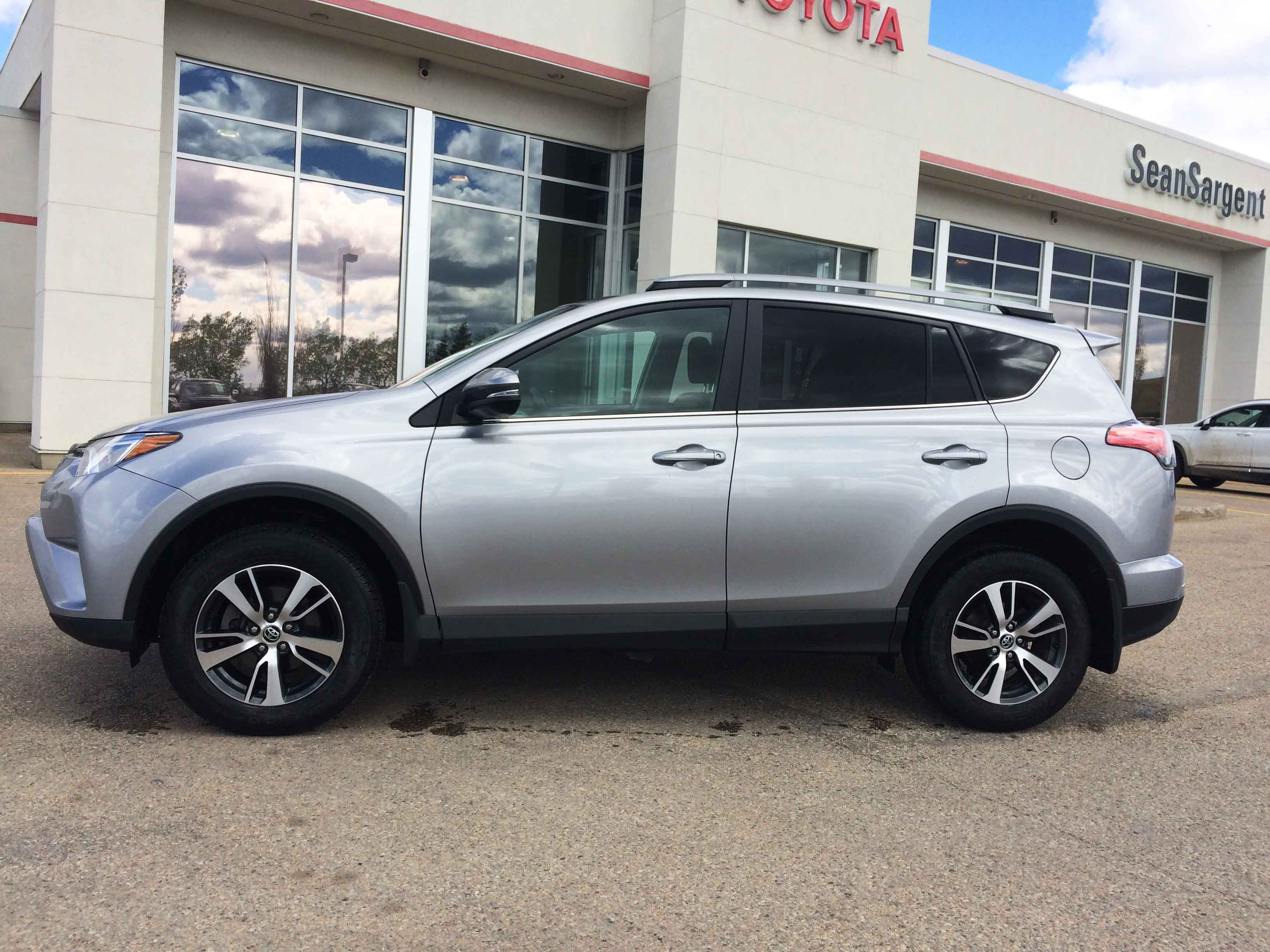 Certified Pre-Owned 2017 Toyota RAV4 AWD XLE