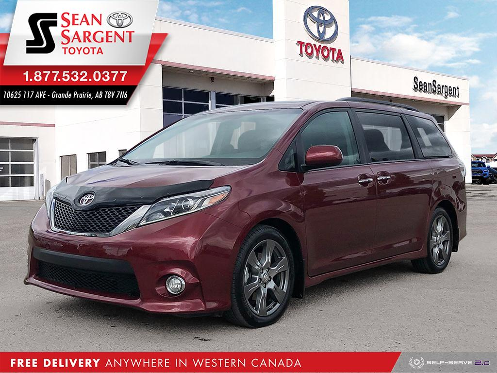 Certified Pre-Owned 2017 Toyota Sienna SE Technology Package