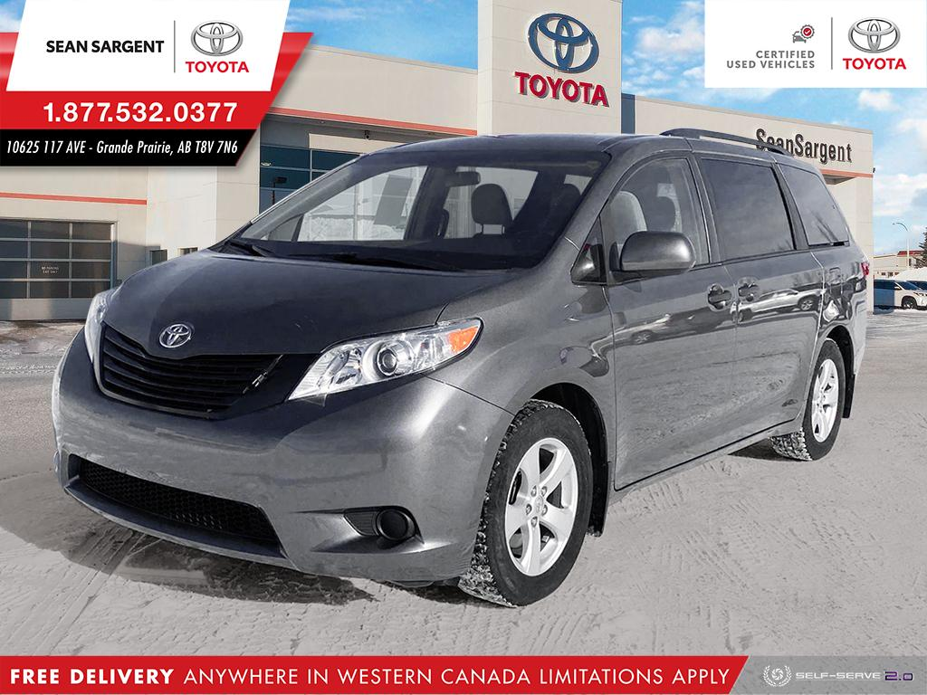 Certified Pre-Owned 2017 Toyota Sienna Base