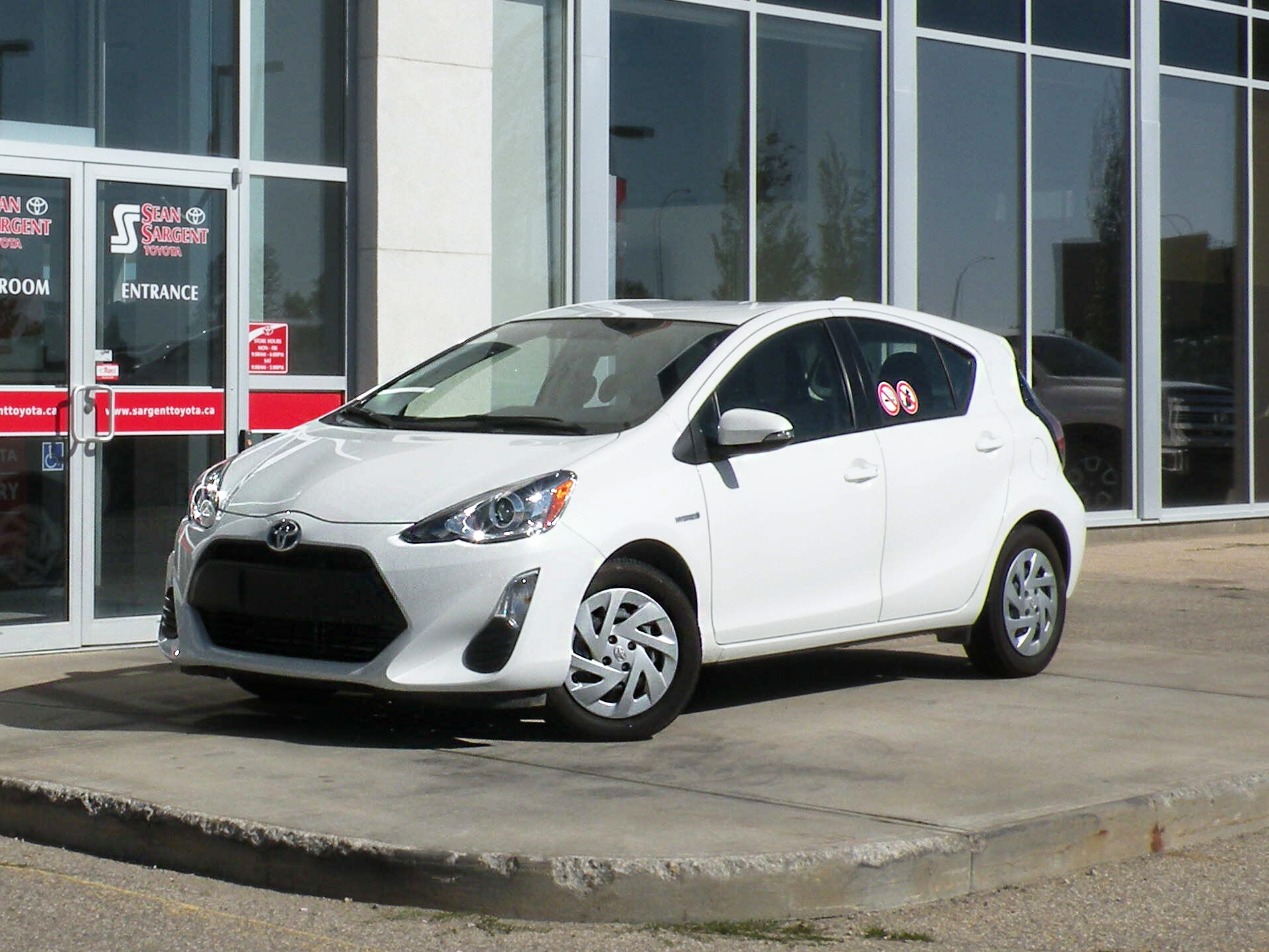 Certified Pre-Owned 2016 Toyota Prius C Prius C