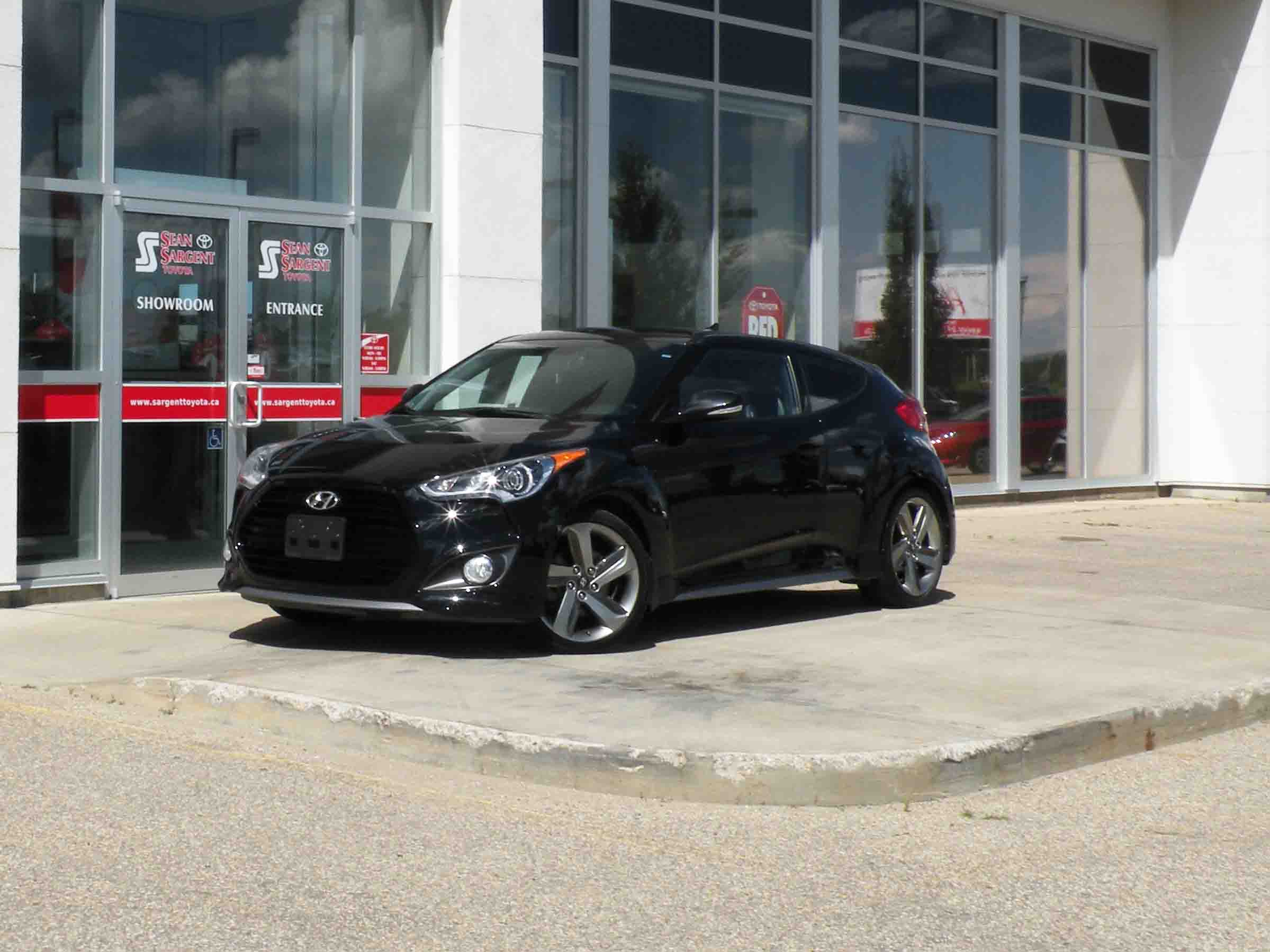 Pre-Owned 2014 Hyundai Velositor Sport TURBO!