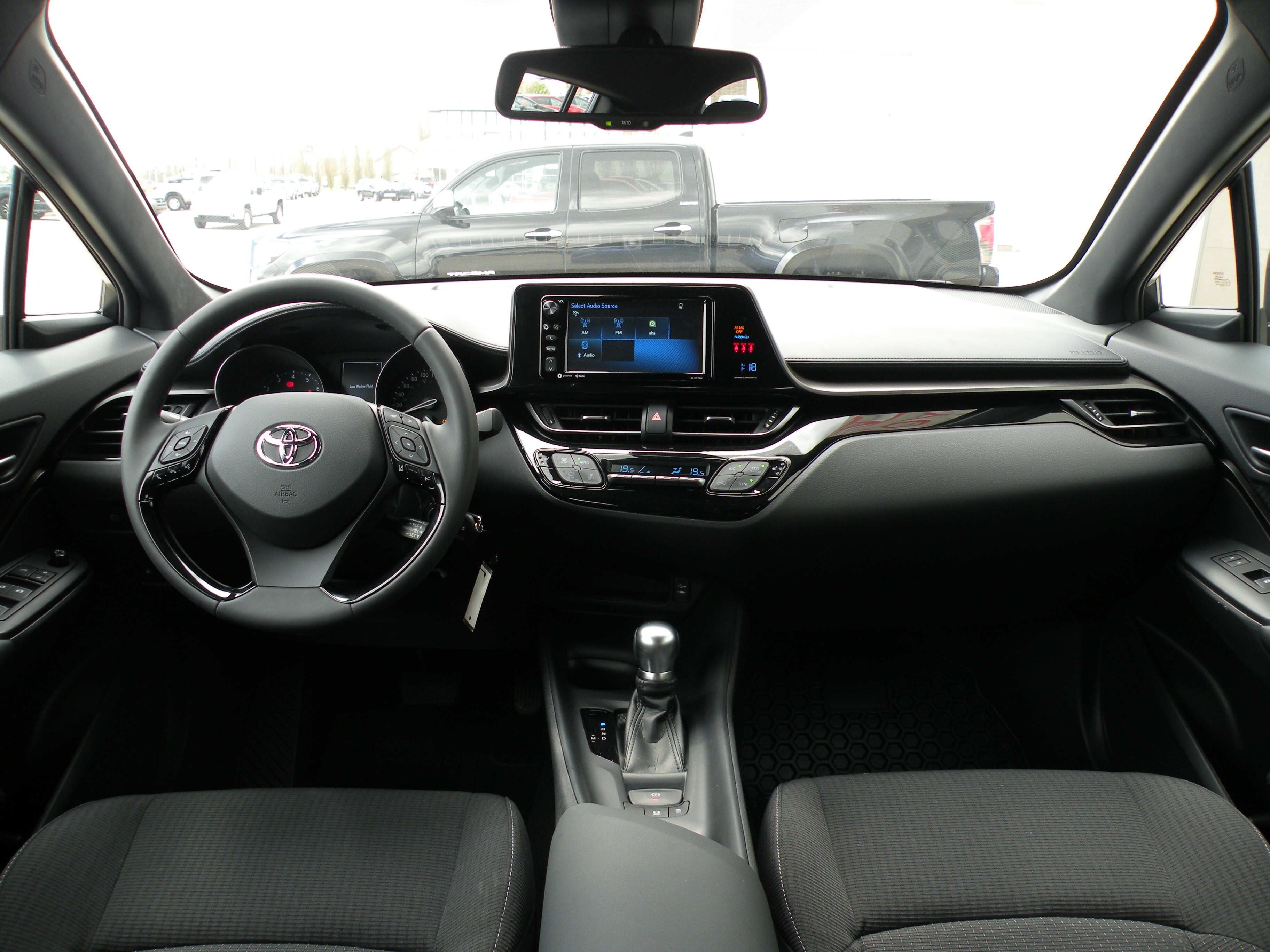 2018 toyota grande. simple toyota new 2018 toyota chr xle suv in grande prairie alberta  sean sargent  and toyota grande
